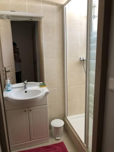 Location de vacances - Maison - Villa à Propriano - SALLE DE BAINS REZ DE CHAUSSEE AVEC DOUCHE