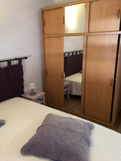 Location de vacances - Maison - Villa à Propriano - CHAMBRE BLANCHE ARMOIRE
