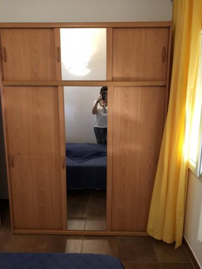 Location de vacances - Maison - Villa à Propriano - ARMOIRE CHAMBRE BLEUE