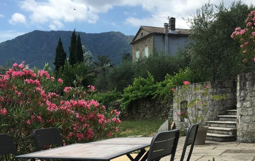 Location de vacances - Villa à Les Salelles - vue sur la montagne, de la terrasse