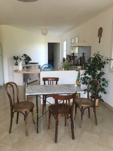 Location de vacances - Villa à Les Salelles - Salle à manger