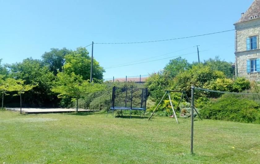 Location de vacances - Gîte à Brugnac - Aire de jeux clôturée de 3000m2.