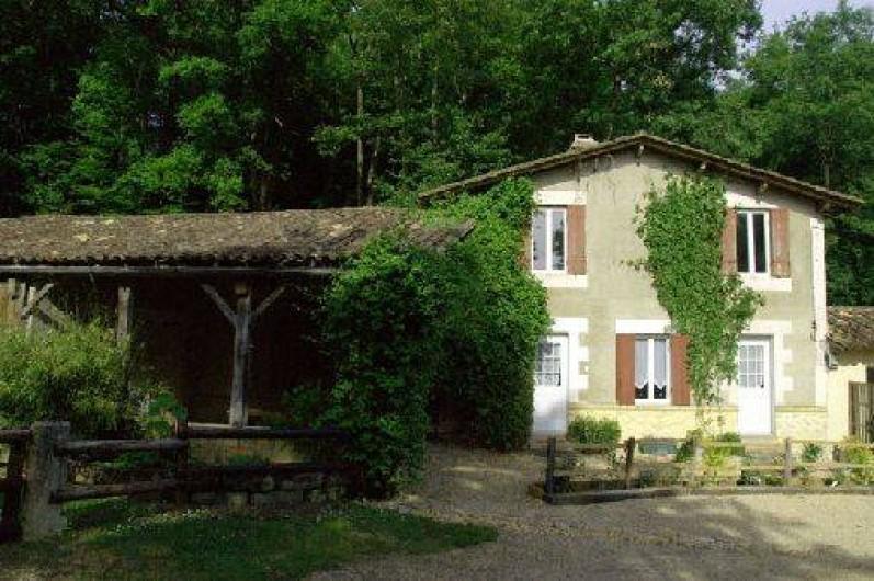 Location de vacances - Gîte à Guitres - La Gabarre Gite 4/6 personnes