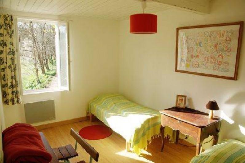 Location de vacances - Gîte à Guitres - Chambre avec 2 lits 90cm Gite Gabarre