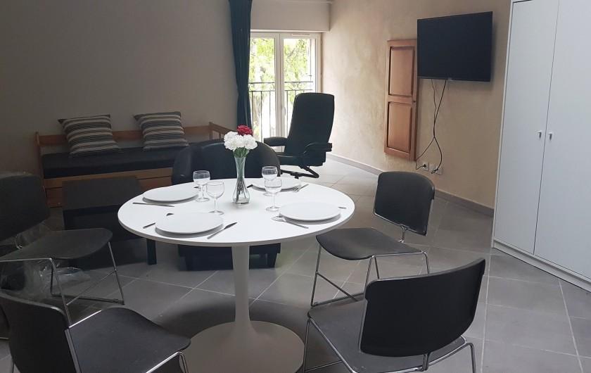 Location de vacances - Appartement à Charleval - Vaste séjour