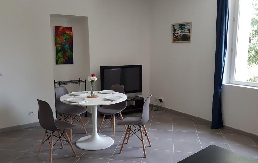 Location de vacances - Appartement à Charleval - coin salle à manger