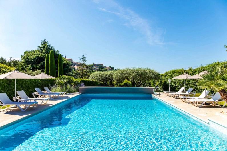 Location de vacances - Gîte à Crillon-le-Brave - Vue de la piscine