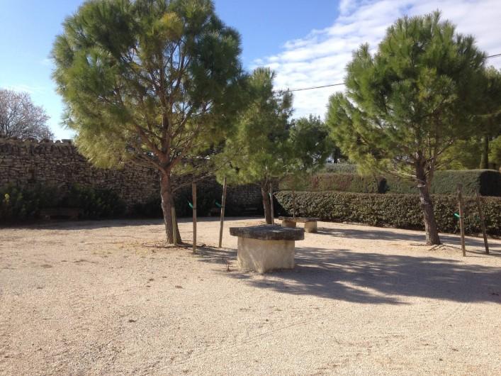 Location de vacances - Gîte à Crillon-le-Brave - Terrain de pétanque Jeux de boules