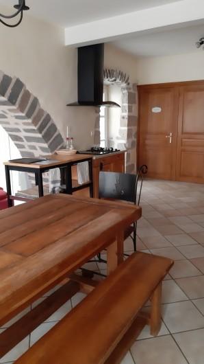 Location de vacances - Gîte à Brioude - Salle à manger et cuisine