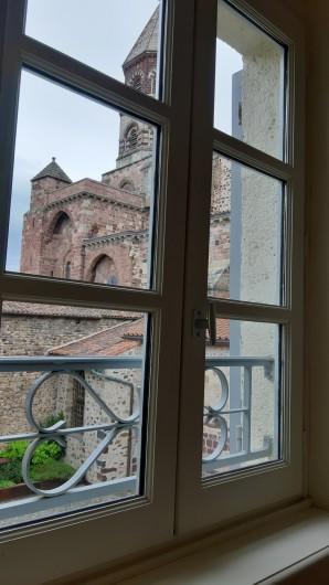 Location de vacances - Gîte à Brioude - vue des chambres