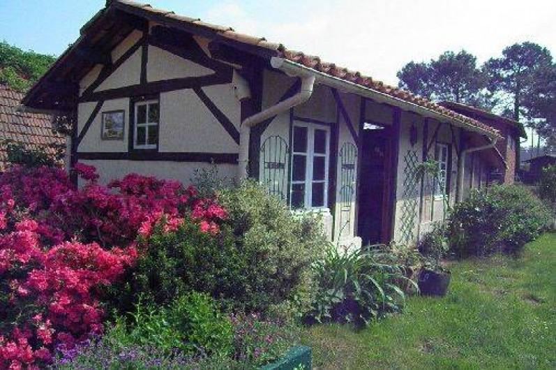 Maison Independante Avec Piscine Chevaux Et Jardins Exotique A