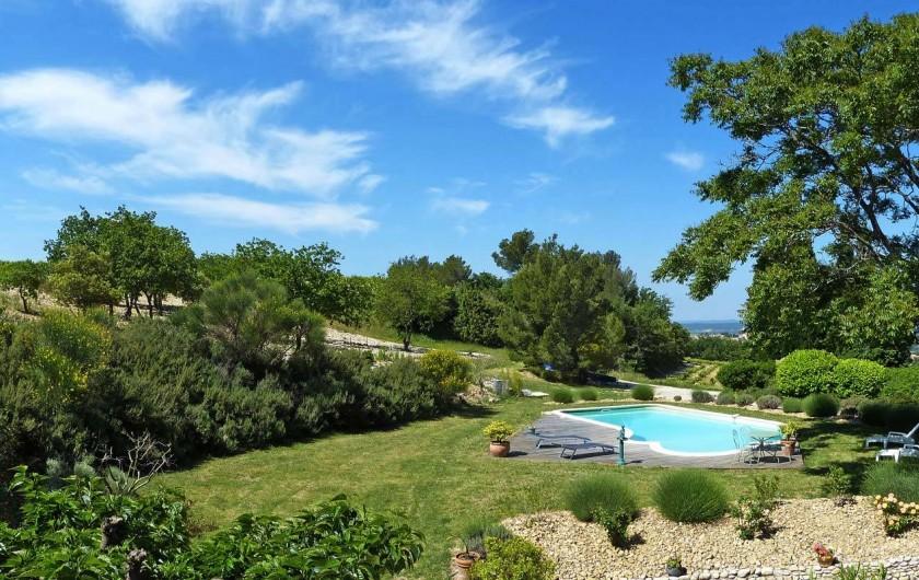 Location de vacances - Gîte à Cairanne - Les Romarins, piscine et jardin