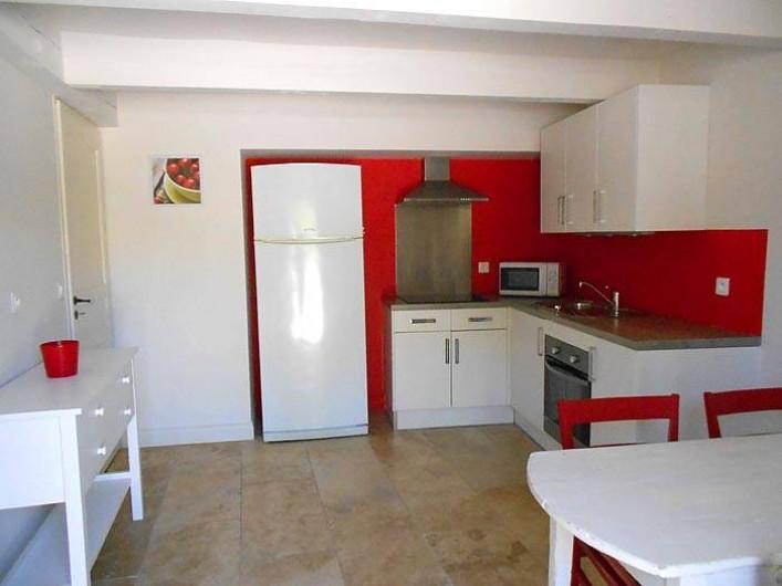 Location de vacances - Gîte à Cairanne - Gîte Le Cerisier, cuisine salle à manger