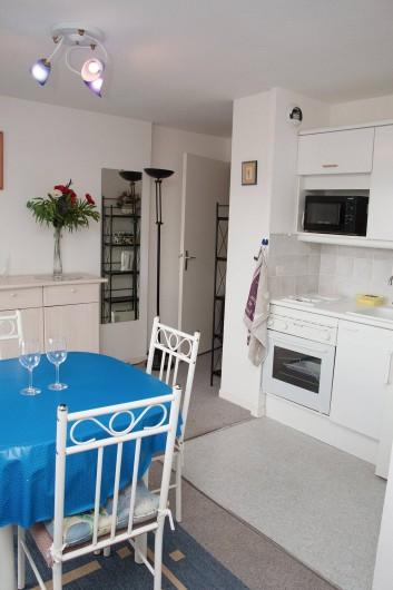 Location de vacances - Appartement à Villers-sur-Mer - Séjour avec kitchenette