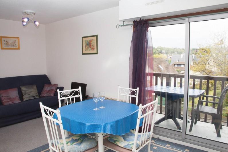 Location de vacances - Appartement à Villers-sur-Mer - Séjour et balcon avec vue dégagée