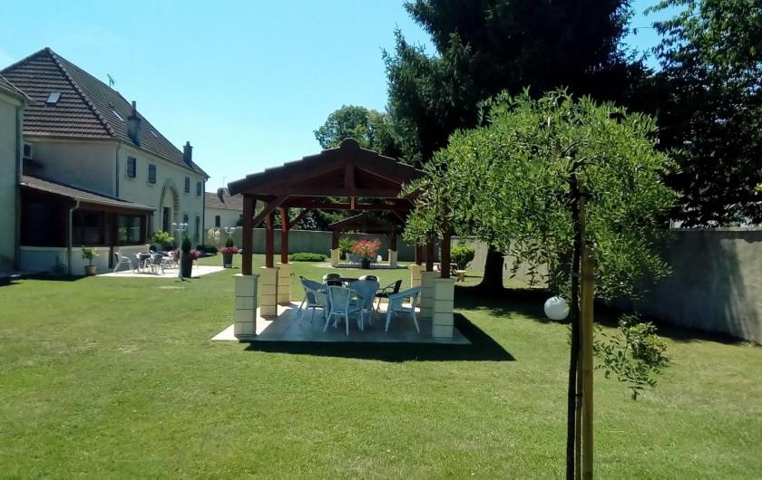 Location de vacances - Maison - Villa à Beaujeu-Saint-Vallier-Pierrejux-et-Quitteur - Parc