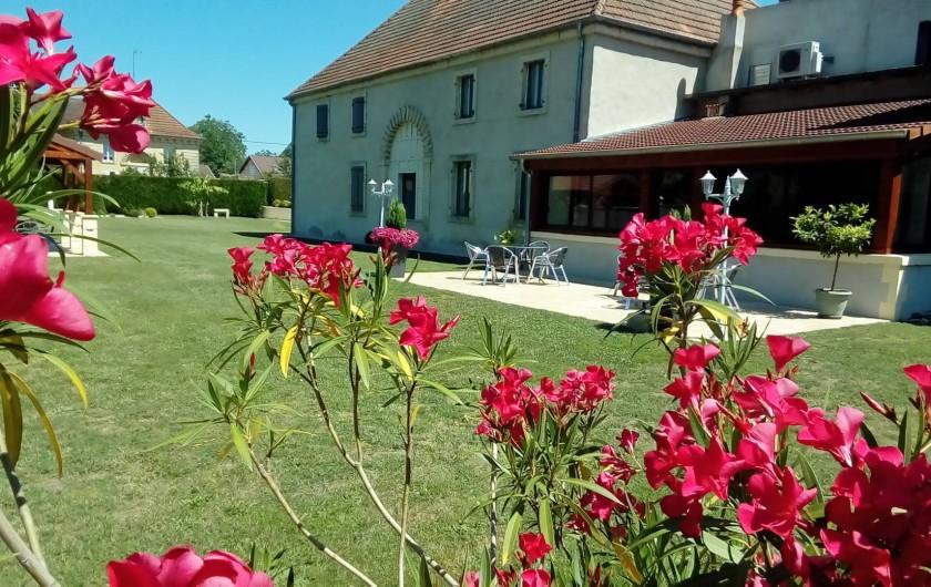 Location de vacances - Maison - Villa à Beaujeu-Saint-Vallier-Pierrejux-et-Quitteur - Le parc