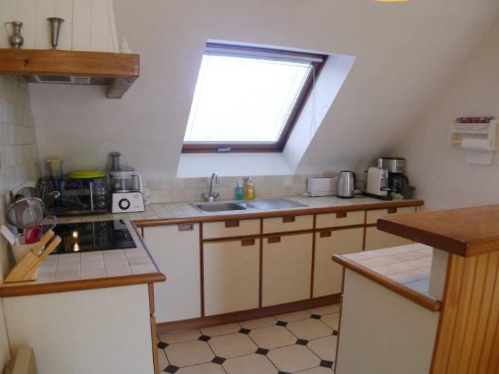 Location de vacances - Maison - Villa à Fouesnant - Cuisine équipée ouverte