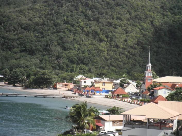 Location de vacances - Appartement à Les Anses-d'Arlet - Vue du bourg et du village depuis la Résidence Batterie