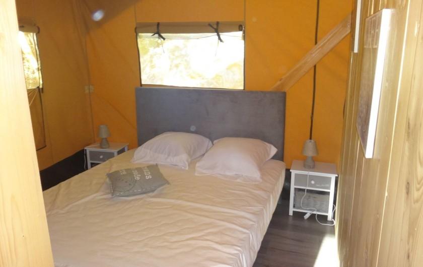 Location de vacances - Gîte à Chirols - La chambre parentale