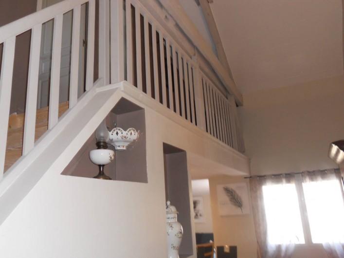 Location de vacances - Maison - Villa à Manosque - Escalier accès chambre