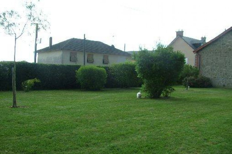 Location de vacances - Villa à Saint-Sulpice-les-Champs - PELOUSE