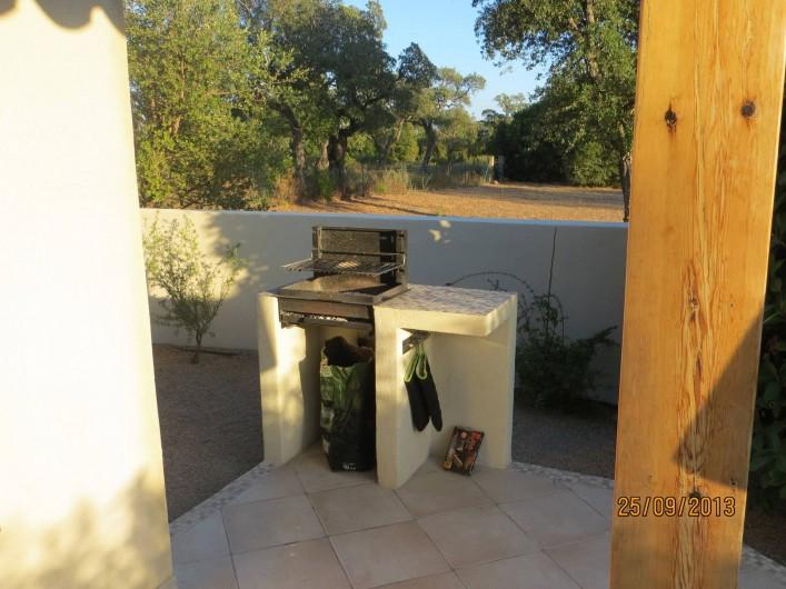 Location de vacances - Villa à San-Gavino-Di-Carbini - Le barbecue