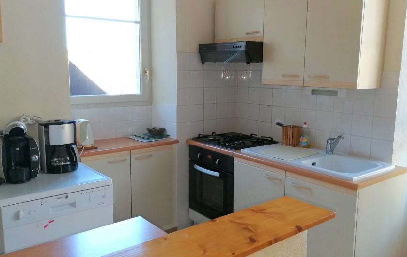 Location de vacances - Gîte à Sancey-le-Grand - la cuisine gite Charme 4*  2 à 4 personnes
