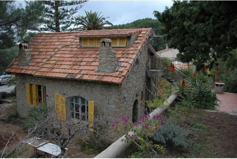 Location de vacances - Maison - Villa à Ajaccio - Maison en granit (vue en surplomb)