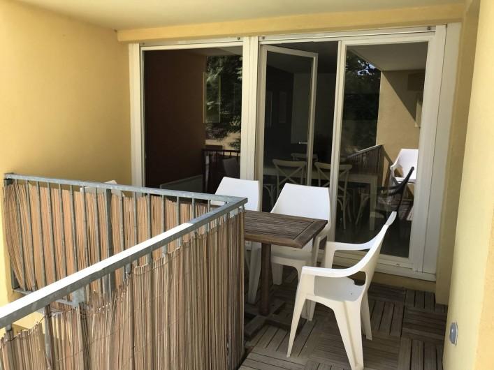 Location de vacances - Appartement à Aigues-Mortes - Terrasse