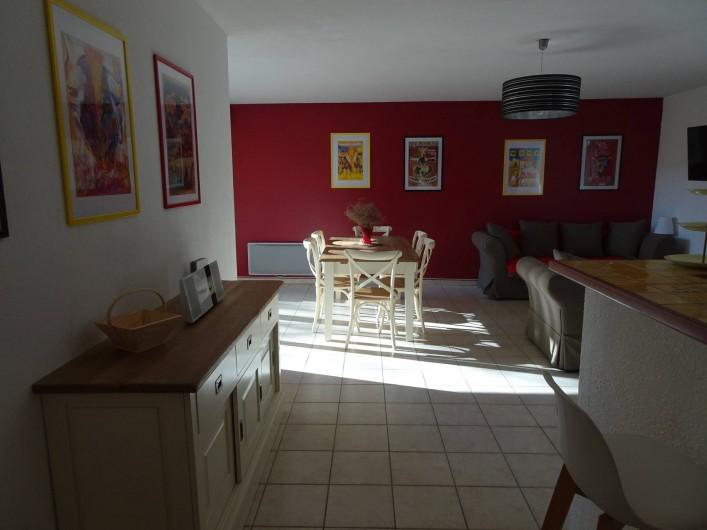 Location de vacances - Appartement à Aigues-Mortes - Salle à manger