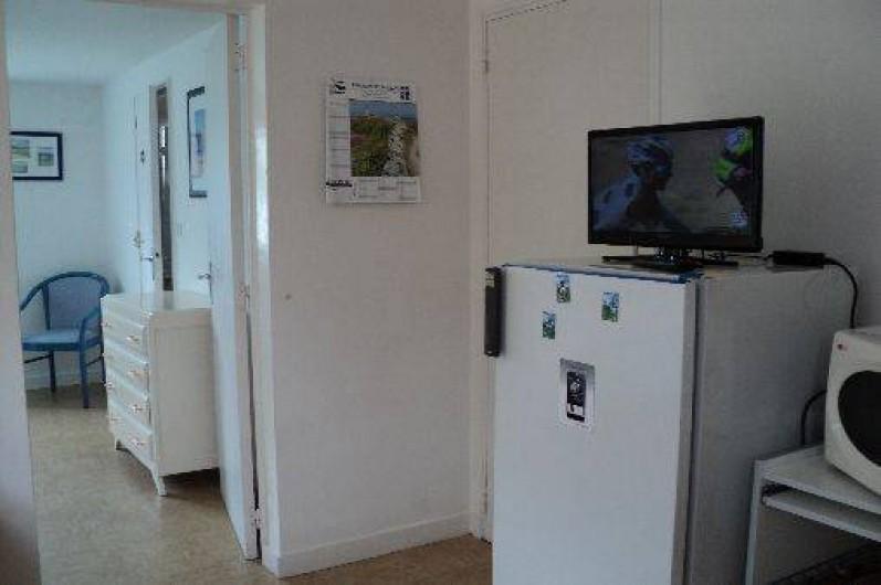 Location de vacances - Appartement à Cancale - Vue sur la chambre depuis la cuisine