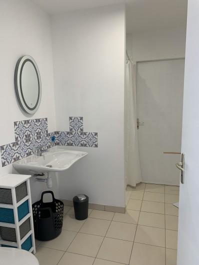 Location de vacances - Gîte à Quinéville - Salle de bain