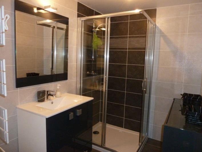 Location de vacances - Appartement à Calvi - Salle de douche 2