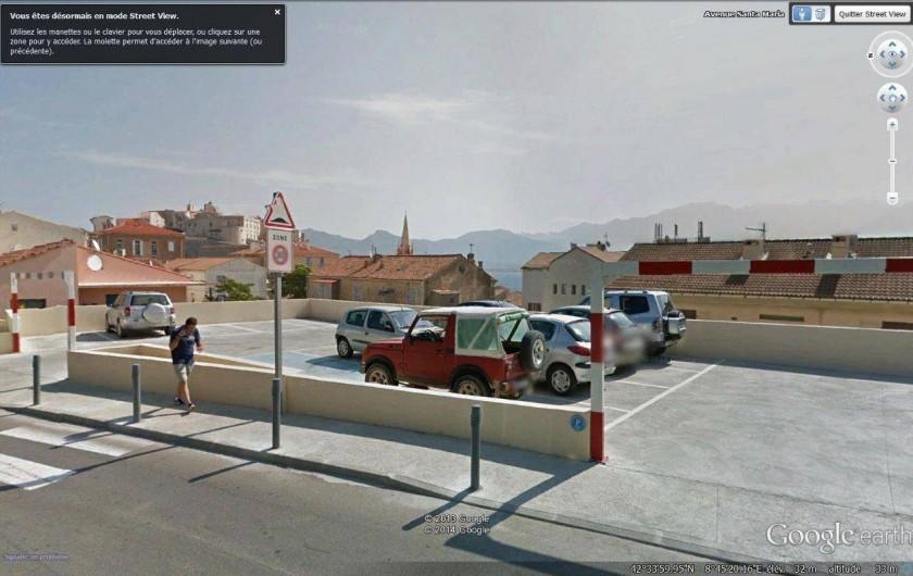 Location de vacances - Appartement à Calvi - Parking réservé de la résidence
