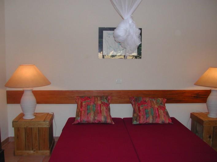 Location de vacances - Gîte à Aubignan - chambre 2 lits jumeaux