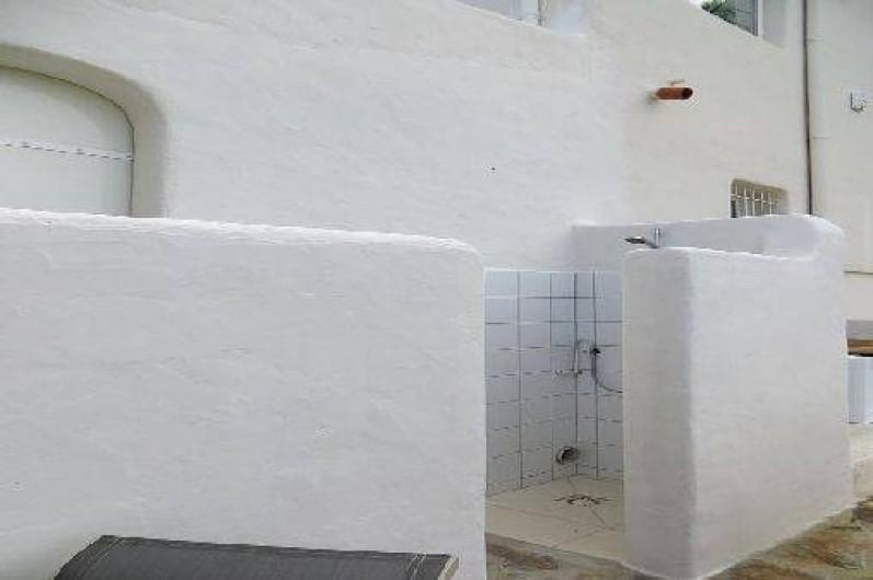 Location de vacances - Appartement à Banyuls-sur-Mer - douche extérieure
