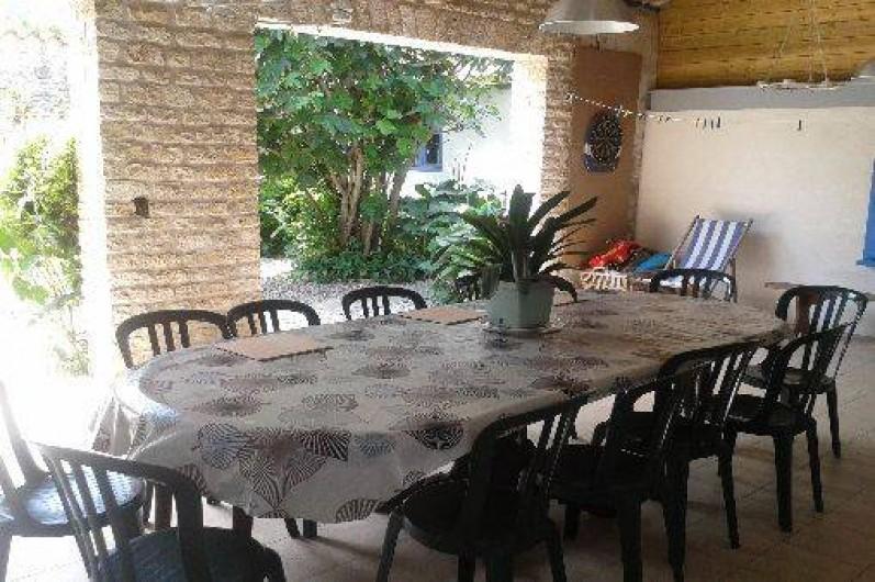 Location de vacances - Maison - Villa à Dolus-d'Oléron - le chai ouvert sur le jardin