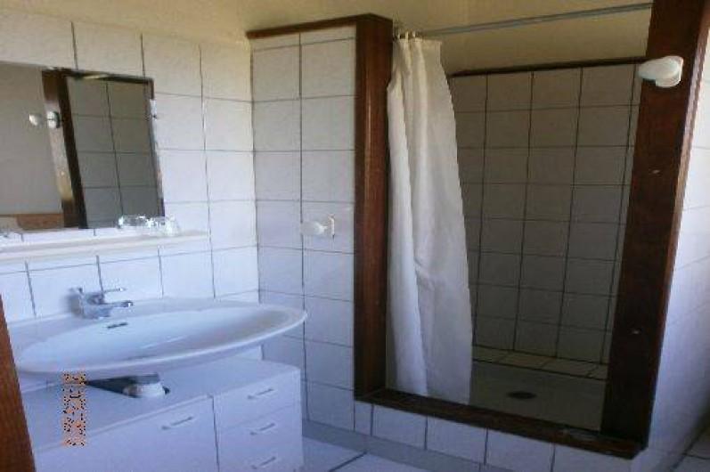 Location de vacances - Gîte à Saint-Vivien-de-Médoc - salle d'eau