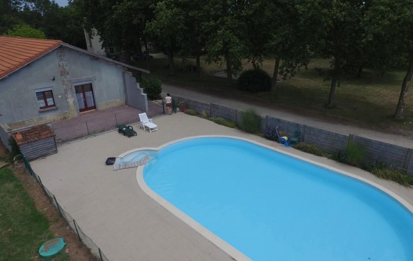 Location de vacances - Gîte à Saint-Vivien-de-Médoc - pîscine