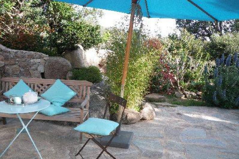 Location de vacances - Villa à Porto-Vecchio - dans le petit jardin /terrasse