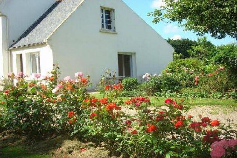 Location de vacances - Gîte à Lanhouarneau - LA MAISON  AVEC JADIN
