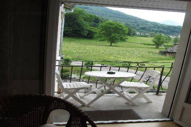Location de vacances - Appartement à Esterre - balcon de la chambre