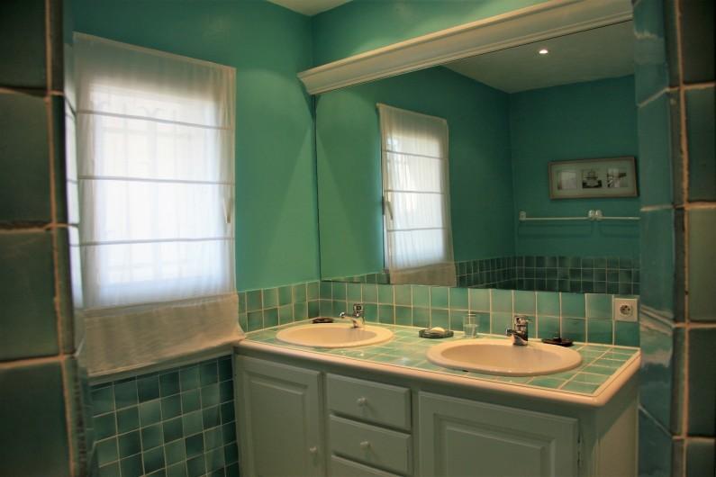Location de vacances - Villa à Sainte-Maxime - Salle de bain 1er étage