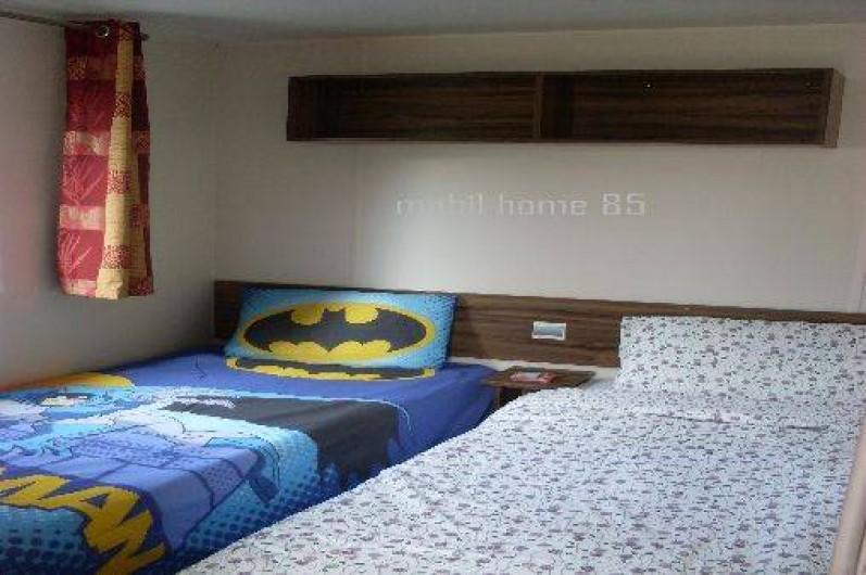 Location de vacances - Camping à Saint-Jean-de-Monts - chambre  2 lits