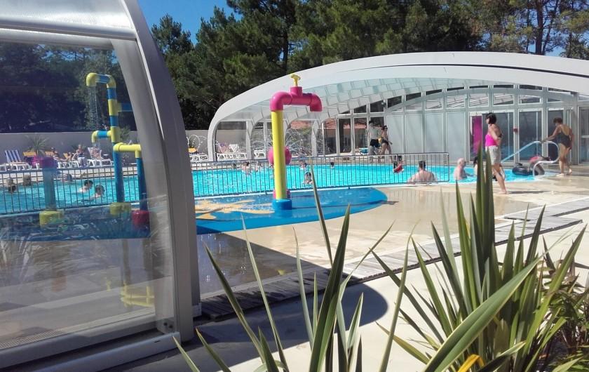 Location de vacances - Camping à Saint-Jean-de-Monts - piscine couverte avec ouverture