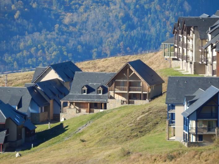 Location de vacances - Appartement à Loudenvielle - Chalet, vu de la montagne.
