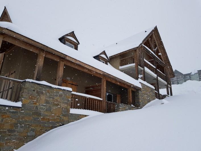 Location de vacances - Appartement à Loudenvielle - Le chalet, sous la neige.