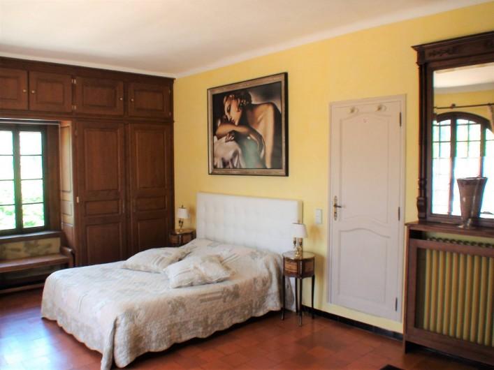 Location de vacances - Chambre d'hôtes à Grasse - La suite des Glycines.