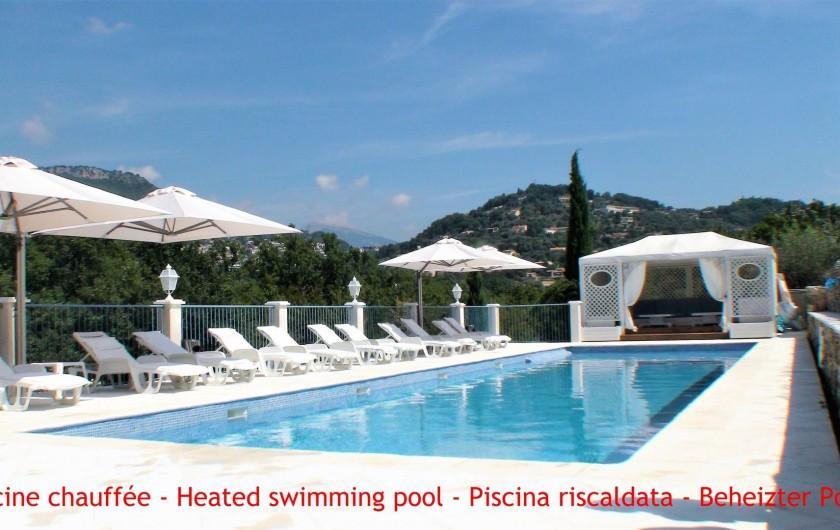 Location de vacances - Chambre d'hôtes à Grasse - La piscine chauffée.